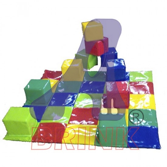 Tapete Multi Colorido Cubos 125x125 com 10 cubos coloridos